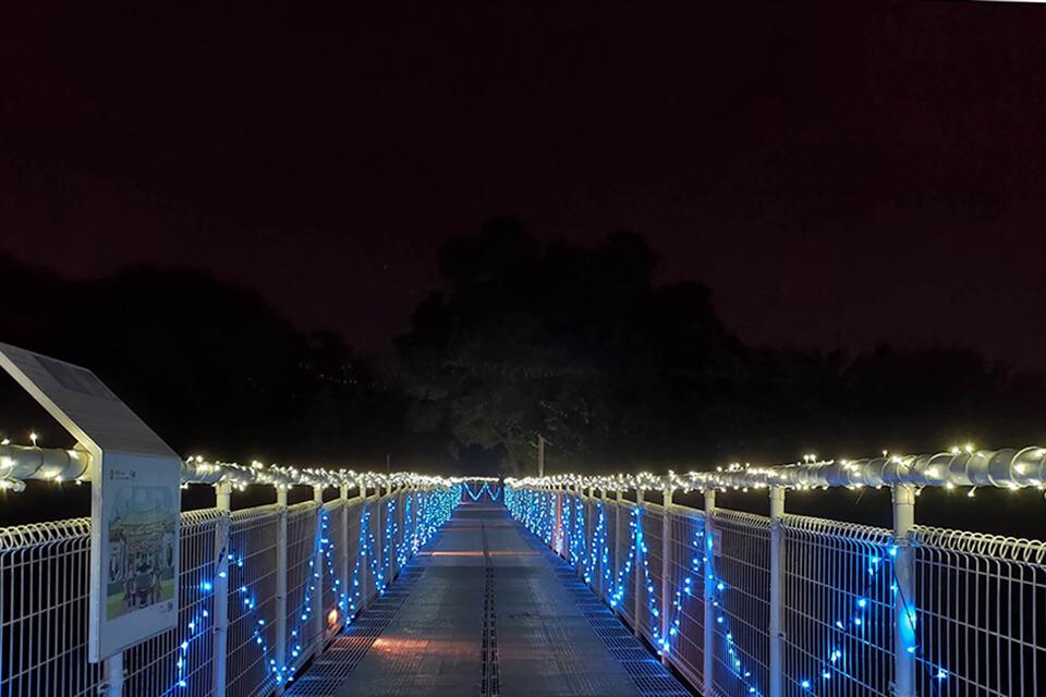 八卦山天空步道燈會