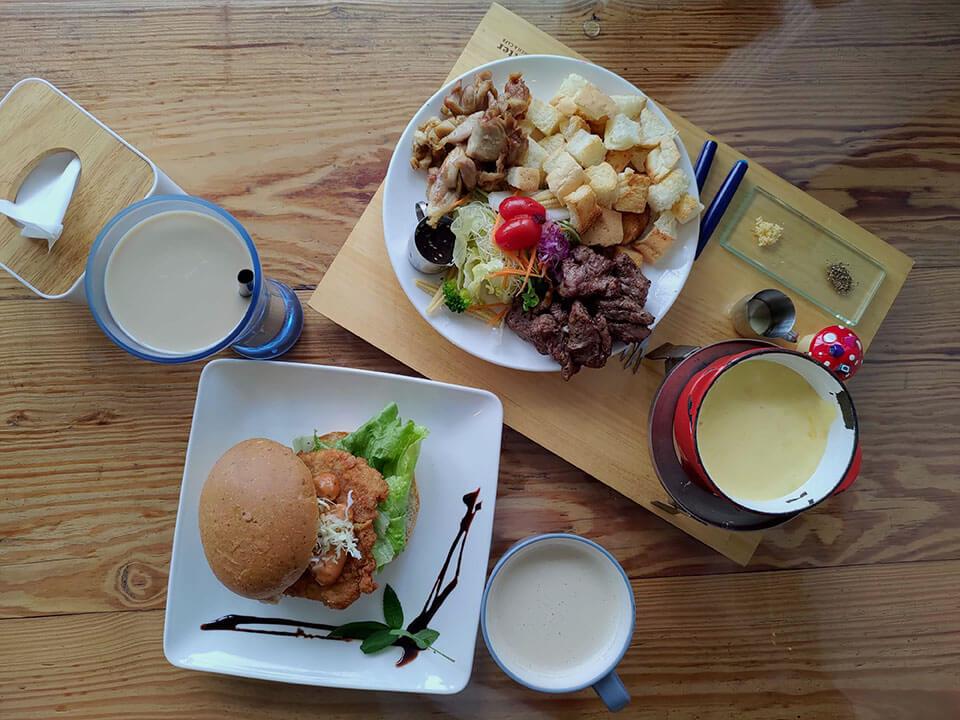 巴特彰化早午餐-義大利香草起司鍋 NT.270 + 檸香炸豬排 NT.65
