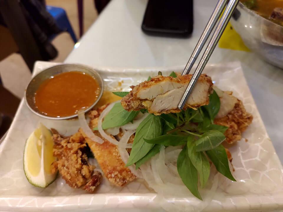 鴻公公越南河粉香茅雞