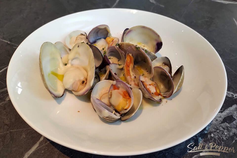 鹽與胡椒餐館-油封蒜頭海蛤