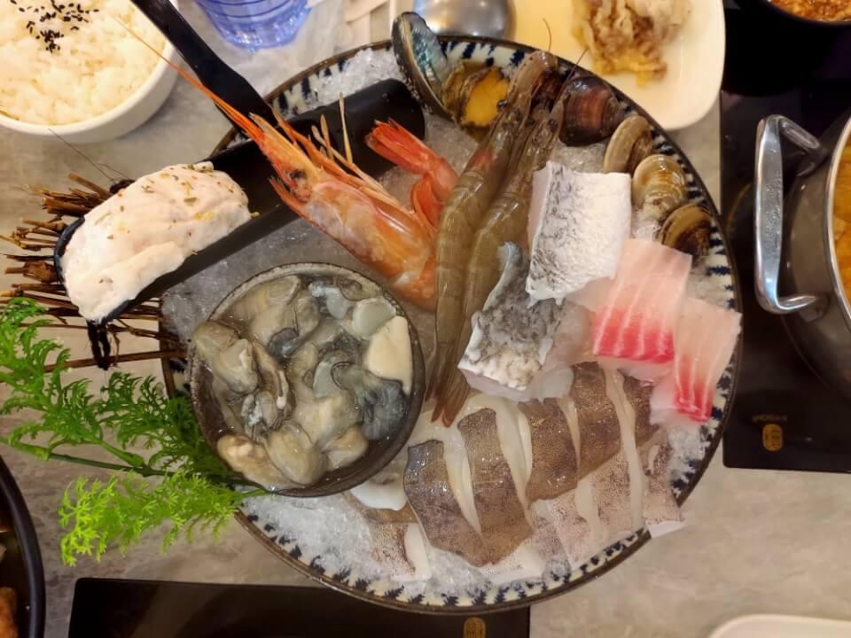 養鍋的海鮮鍋