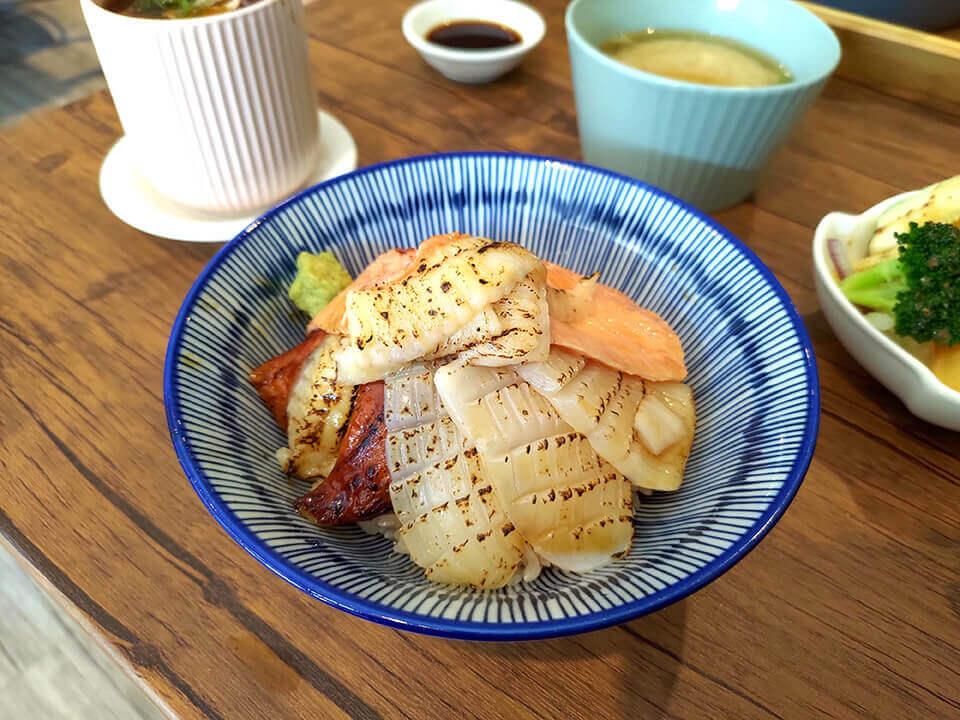 綜合炙燒散壽司 NT.380