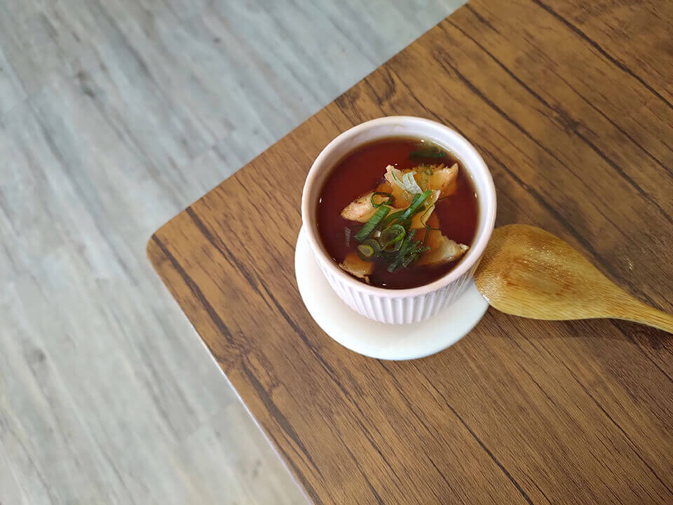 鮭魚茶碗蒸 (點散壽司贈)