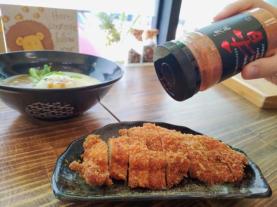 詹粉搭配日式炸雞排